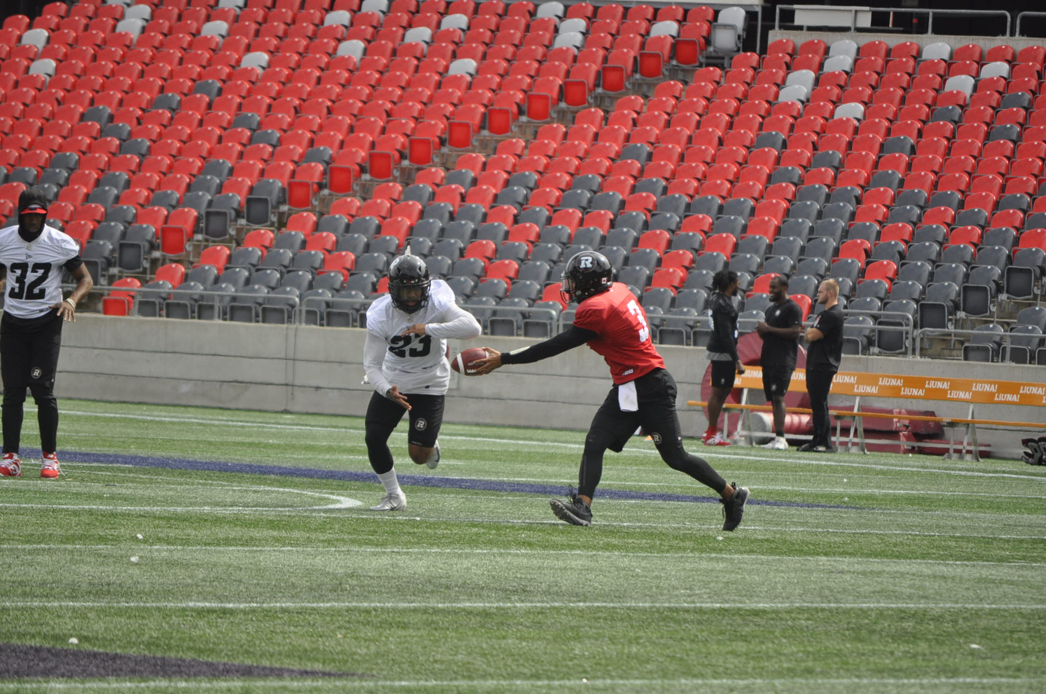 Redblacks look to fight off negativity as they prepare to take on the B.C Lions for a second straight week